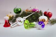 Handbemalte Christbaumkugeln.Schneedach Die Glasdiele